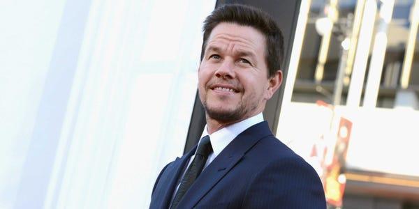 Mark Wahlbergi kaalulanguse koolitus Kuidas poletada rasva alumise abs umber